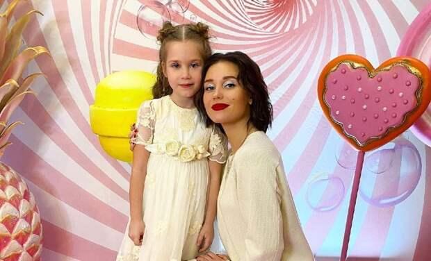 Кристина Асмус поделилась спортивными успехами дочери: видео