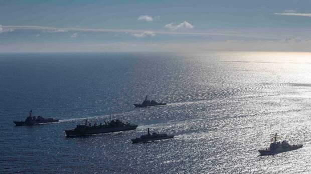 Business Insider: Россия «устроила проводы» кораблям НАТО в Арктике, начав свои учения