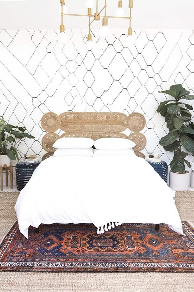 как сделать кровать из матраса или софы