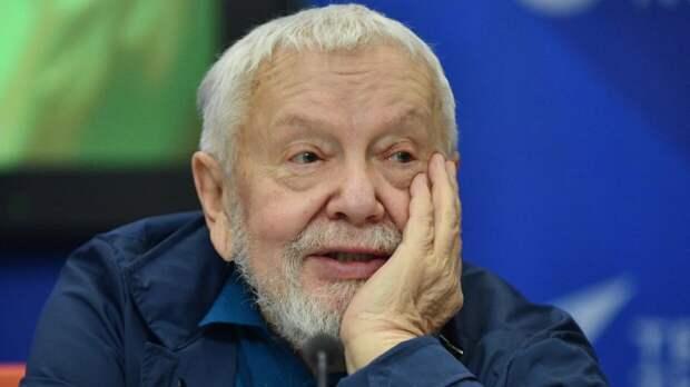 Режиссер Соловьев считает маразмом откровенные признания Прокловой о домогательствах